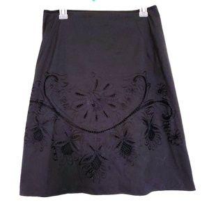 Elie TAHARI skirt size 8 black embroidery A shape